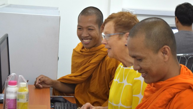 Lena Olsson, Senior Advisor to Library and Information, travelled to Cambodia in the spring of 2015 to do a training workshop in information retrieval for librarians, researchers, teachers and master students at Paññāsāstra University of Cambodia and from the Royal University of Law and Economics.